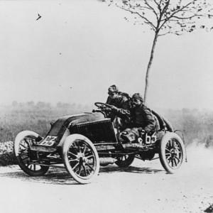 640px-Marcel_Renault_1903